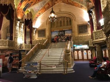 クイーンストリートモールにある観光案内所で情報収集。昔は劇場だったので建物自体も観光スポットです