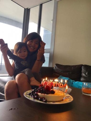 友人宅で、サプライズで誕生日祝いもしてくださり感激!