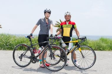 夫婦で参加した鈴木祐喜さんと奈々さん。2台ともかなりこだわったアッセンブルでかっこいいぞ