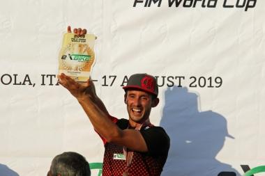 EXB2で優勝したロベルト・ファブリ