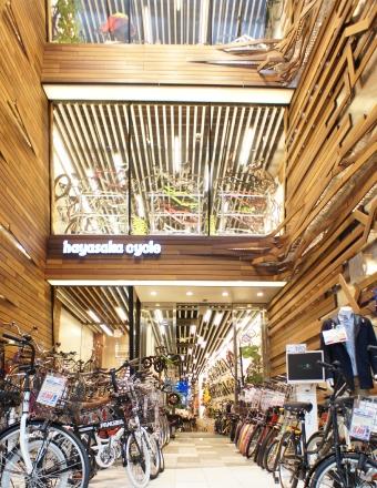 ハヤサカサイクル仙台中央店入り口 ©Hayasaka Cycle