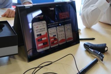 専用アプリのデモ画面。アンドロイドとiOS両方に対応