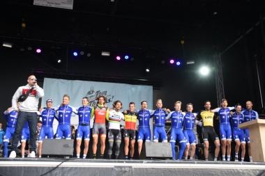 引退イベントはボーネンのチームメートや友達の選手たちも参加した