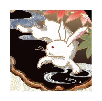 月夜に遊ぶウサギがモチーフのジャージのどこかに「隠れウサギ」もいる