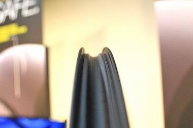 ビード直径はマヴィック独自規格621.95mmから±0.35mmの内の精度で設計される(ETRTO規格は±0.50)