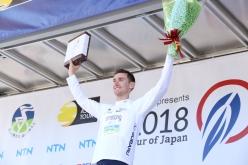 オーストラリアのクロームにホワイトジャージを明け渡し。新人賞2位につけるのは0秒差で宇都宮ブリッツェンの岡