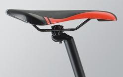 SPORT LITE SADDLE:軽さとクッション性をバランスしたフレームと同デザインのスポーツタイプサドル。