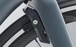 SPEED CONTROL SL:プロペル専用ブレーキ。独自形状でフレーム・フォークと一体化してエアロ性能に大きく貢献。