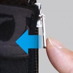 引手をプッシュしてロックすることで、ずり下がりを防ぐロックファスナー