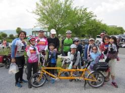 タンデム自転車が4月1日に県内の行動での走行が解禁されたのを機に、東京、千葉、埼玉、神奈川より集まったタンデム愛好家の4家族にも遭遇