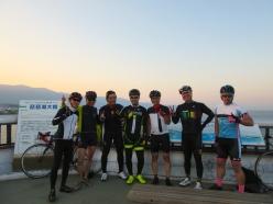 琵琶湖大橋のてっぺんで偶然出くわした「チームフォーチュン」のみなさんとパシャリ