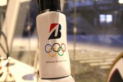 トップチューブには選手用の機材にのみオリンピックマーク(パラの選手用にはパラのマーク)が入る
