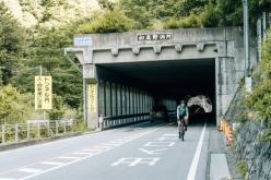 笹子トンネルも細心の注意を払って走行