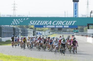 5ステージ・スズカは1日目にロードレース、個人TT、チームTTを、2日目にクリテリウムとロードレースの5ステージで争われる