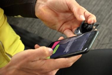 アプリをダウンロードしたら、指示に従ってBONX Gripと接続する