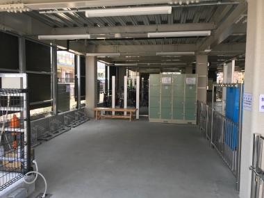 「秦野駅北口自転車駐車場」内、輪行者向け施設の全体像