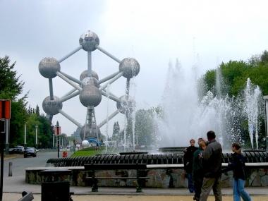 第2ステージでチームタイムトライアルのゴールになるアトミウム。ブリュッセルを象徴するモニュメントだ