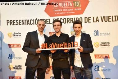 左から今年のブエルタ総合2位のマス、総合優勝のS・イエーツ、総合3位のロペス(photo : Antonio Baixauli / UNIPUBLIC)