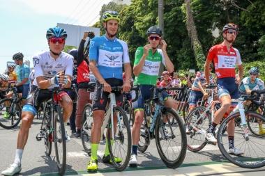 伊豆ステージまでのジャージ獲得者が一番前に整列する
