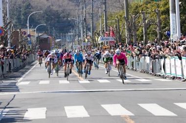 集団のトップを撮ったのは日本大の依田翔太