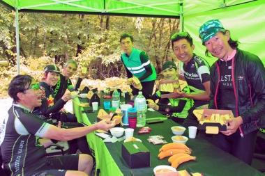 この日は那須の食材をふんだんにつかった「Shoko's kitchen」のサンドイッチでランチタイム