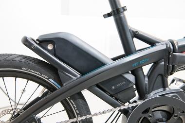 「パワーパック」バッテリーはバイクの外観を損なわないデザイン