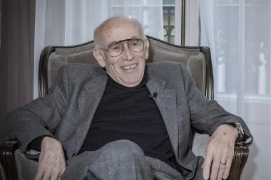 1976年にアソスを創業したスイス人のトニ・マイヤー。御年78歳