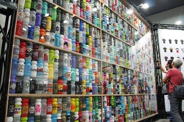壁一面に並べられたオリジナルボトルたち