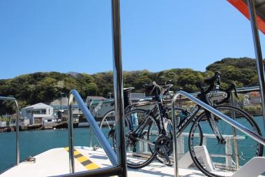 自転車を固定して、対岸へ進む