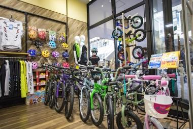 ファミリー層が訪れることの多いショッピングモールということもあり、キッズバイクにも注目だ